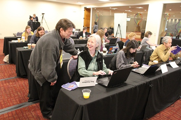 Booksellers learn about IndieCommerce and IndieLite at the IndieCommerce Institute.